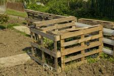Compost_pallets_web